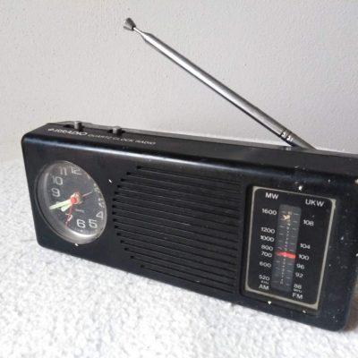 Radio portatile AM/FM con orologio sveglia - CQR 777
