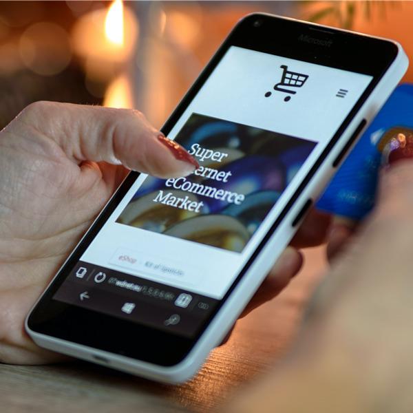 Retail Playbook: la guida per la prossima stagione dello shopping (download)